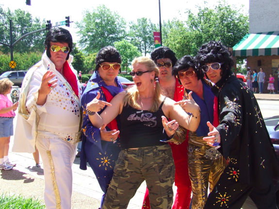 Char and a bunch of Elvi at the 2009 Tupelo Elvis Festival
