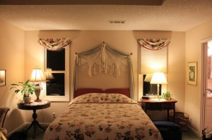 A great night's rest awaits you in the comfortable beds at Mountain Thyme Inn.