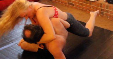 bikini mixed wrestling