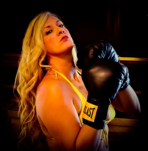 Char Magnifico - Sexy Female Boxer - Yellow Bikini