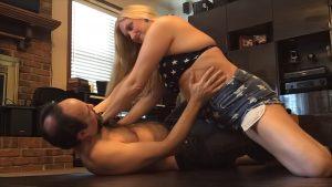 Sexy Bikini Mixed Wrestling